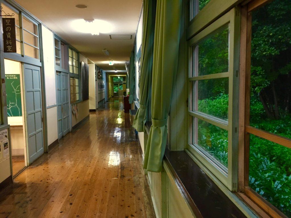 くまの木廊下。