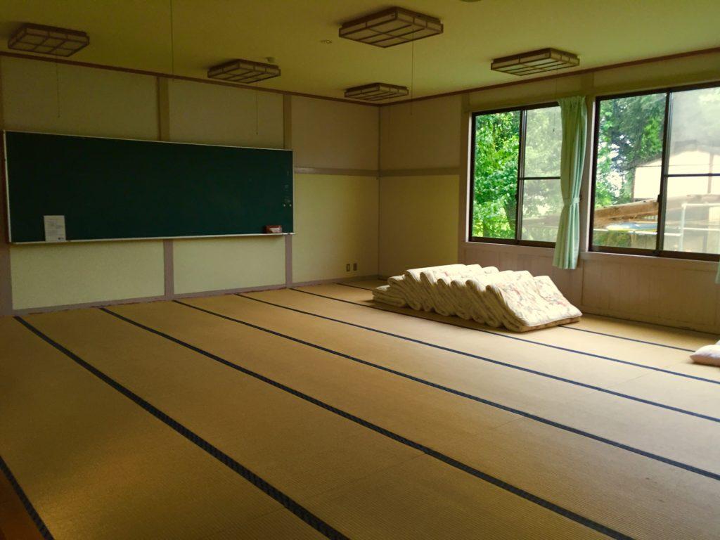 畳の寝室。