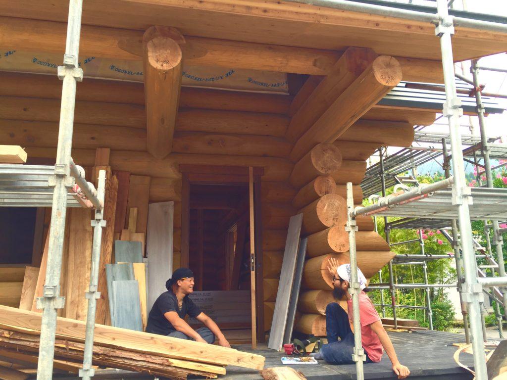 ログハウス建設。