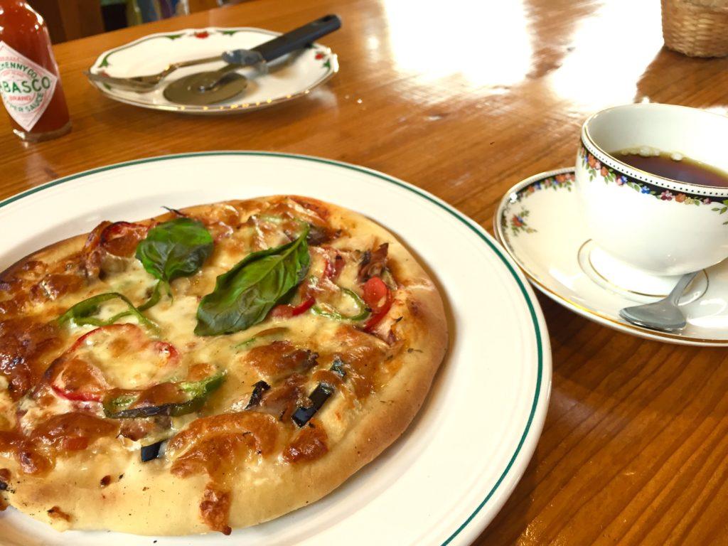 ピザと珈琲。