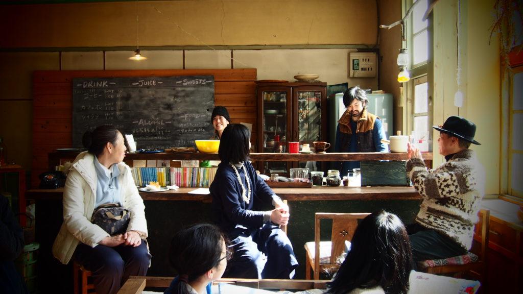 廃校カフェ内部。