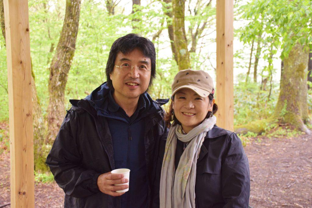 大澤さんご夫妻。