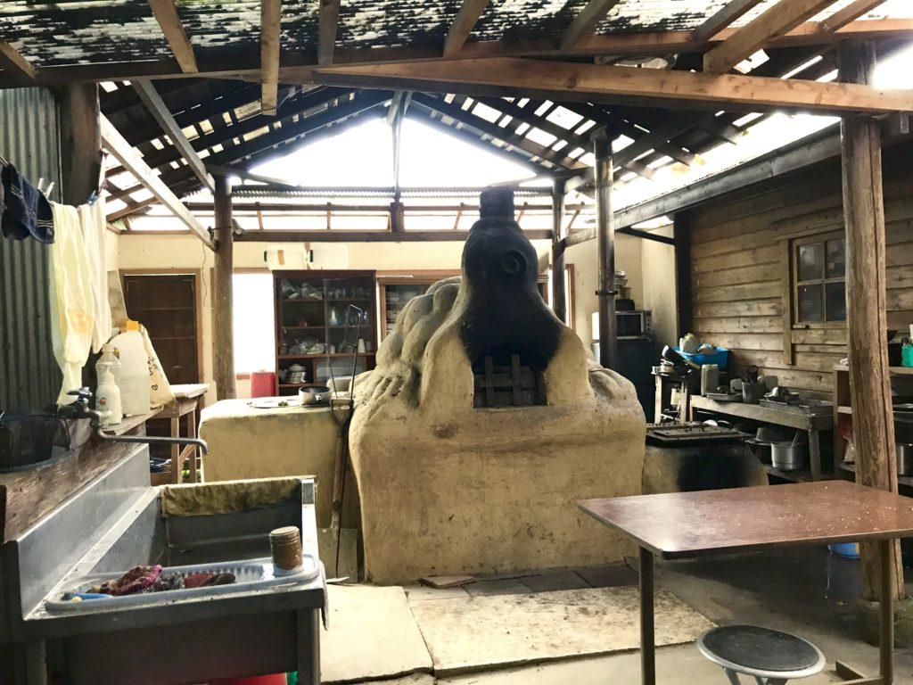 手作りの窯。