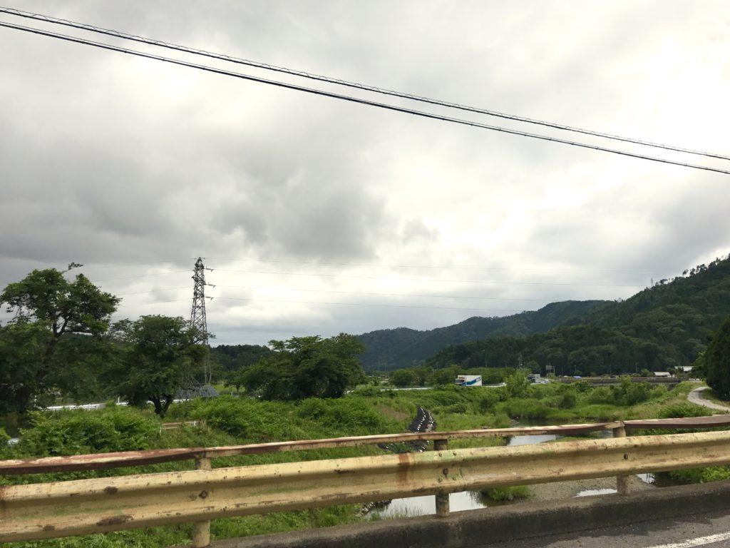 滋賀県に入る。