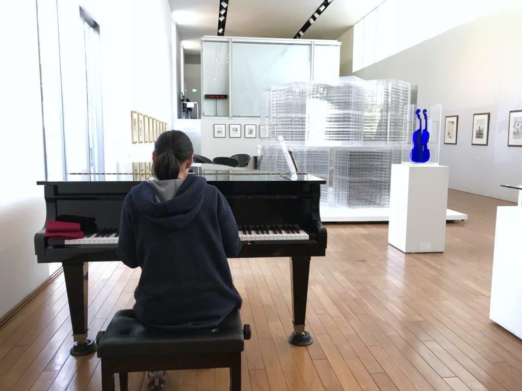 ラナさんピアノ。